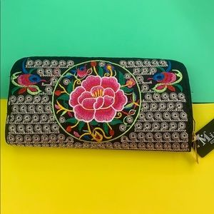 New embroidery wallet